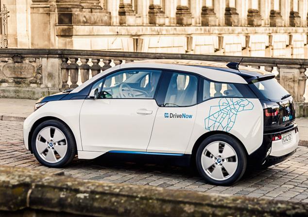 カーシェアリング車両DriveNowの電気自動車BMWi3. Photo: © DriveNow