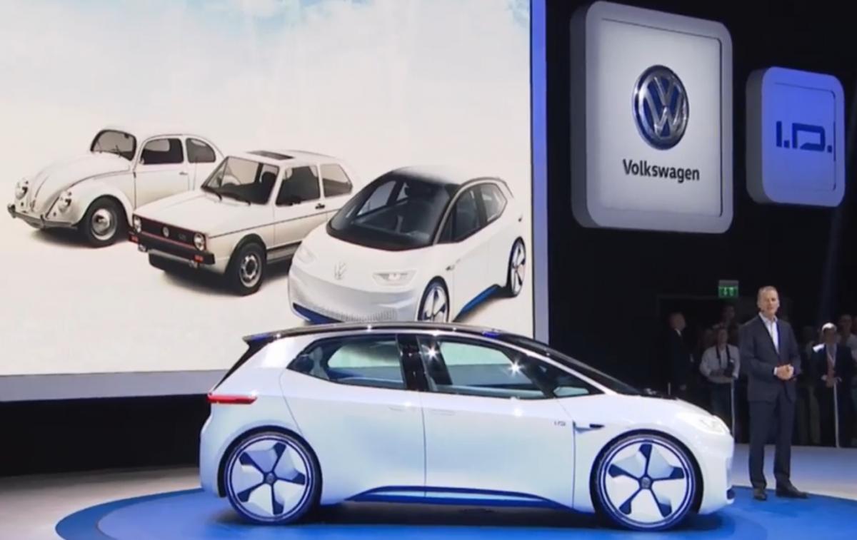 パリ自動車ショーで電気自動車I.D.を紹介するフォルクスワーゲンのトップHerbert Diess氏. Photo: © VW presentation
